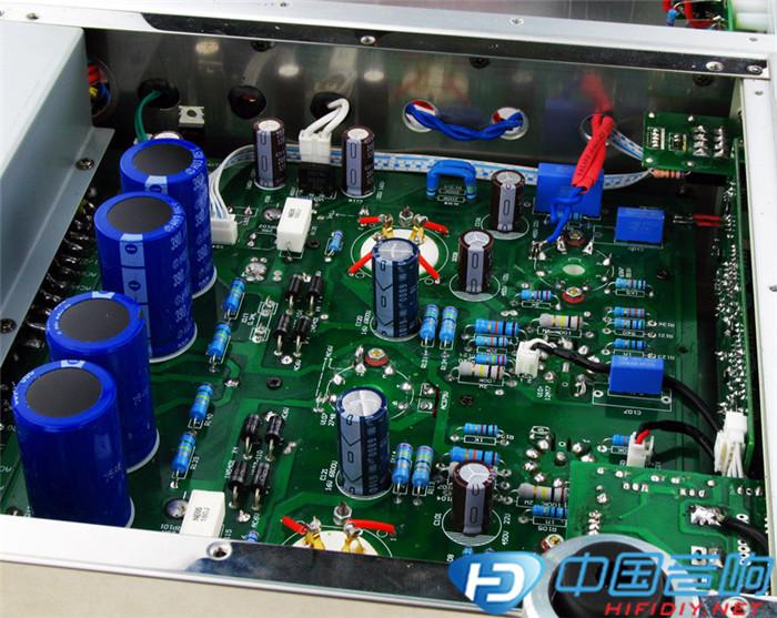 (2012-12-03)    电路结构上整机采用了两只12at7中u管作电压放大,及